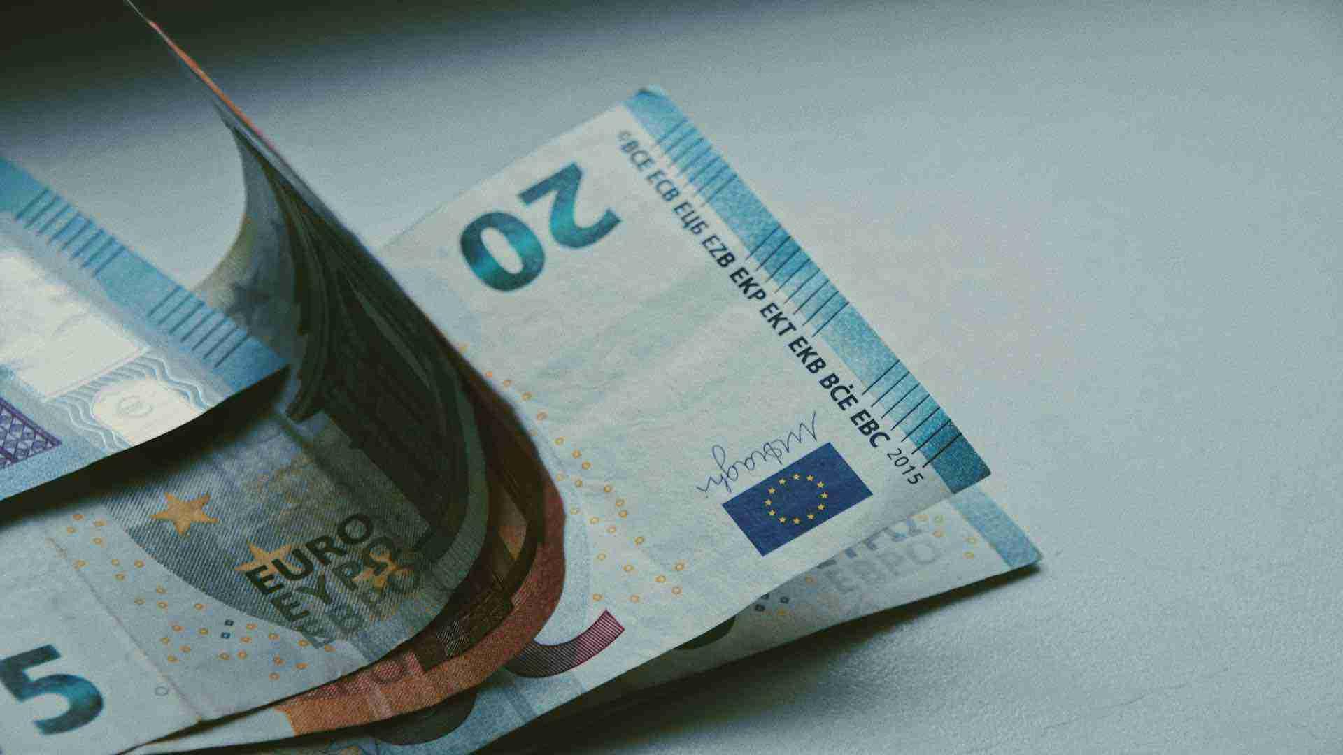 Geld Schaden Euroscheine